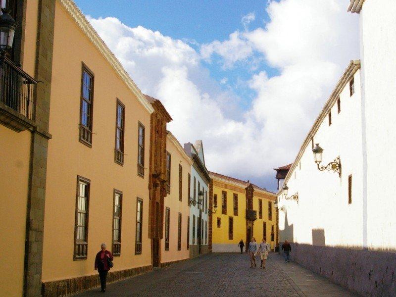San Cristóbal de La Laguna Alumbrado público e instalaciones eléctricas de dependencias municipales, fiestas y actos culturales